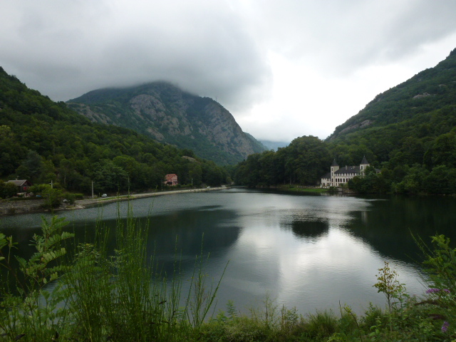 Reservoir for hydro electric system